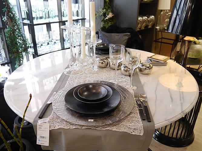 h ppel stadthaus lambert m bel ausstellung rundgang. Black Bedroom Furniture Sets. Home Design Ideas